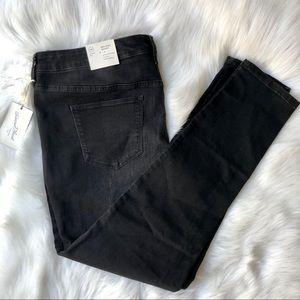Mid Rise Skinny Black Jeans